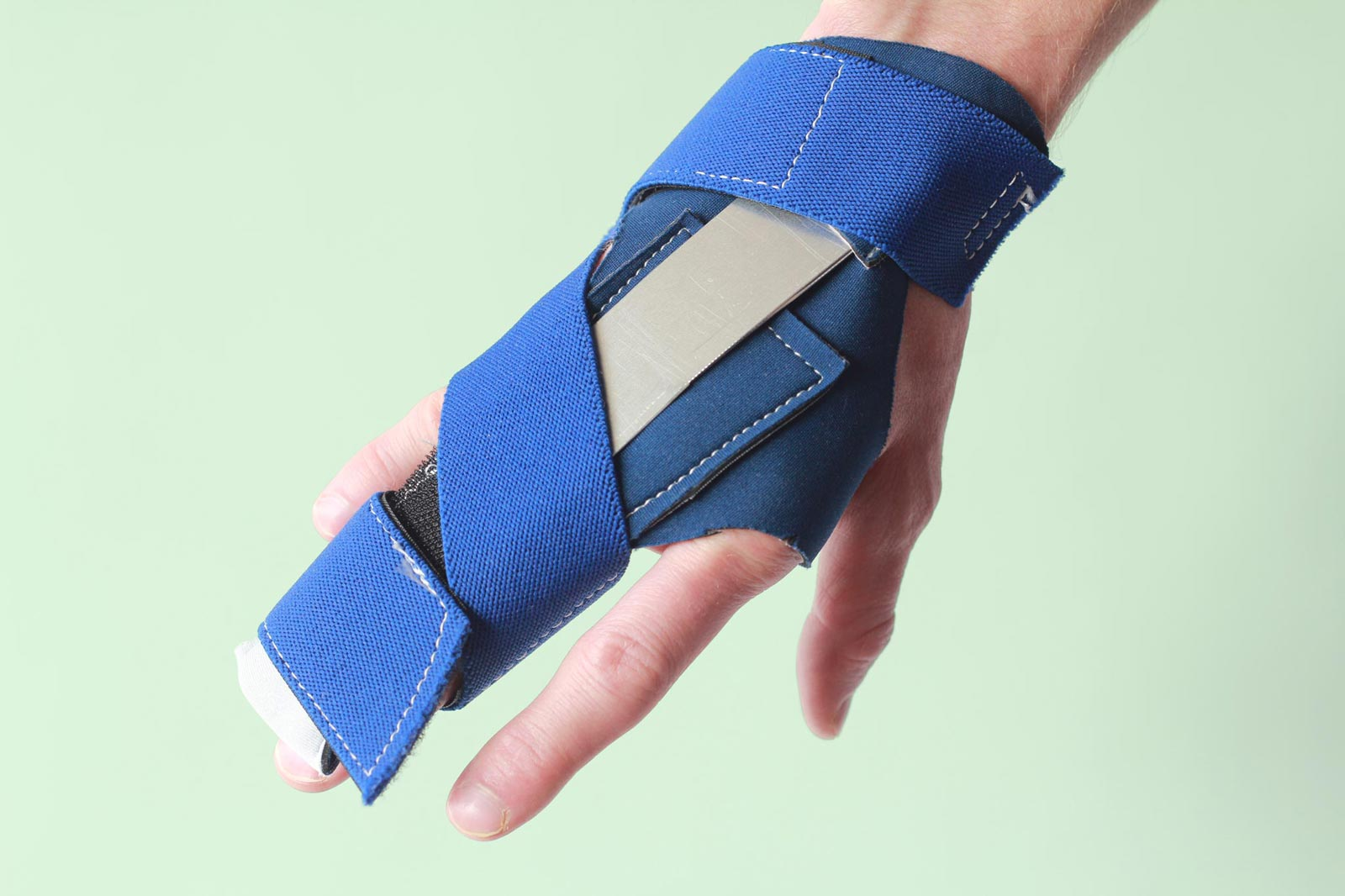 Hand splint to stretch my right hand